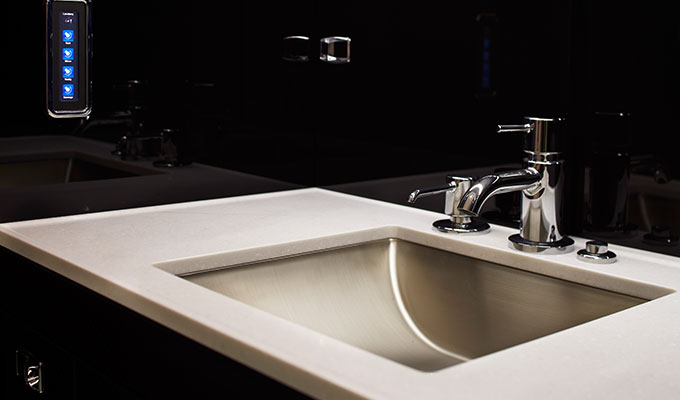 Detalhe do design do lavabo do Legacy 450.