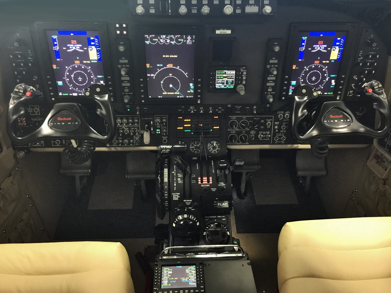 BEECHCRAFT KING AIR 350i 2016