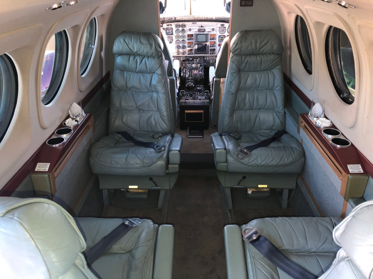 BEECHCRAFT KING AIR C90B 1995